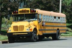 Färben Sie Schoolbus gelb Lizenzfreies Stockfoto