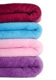 färg kombinerade handdukar Arkivbilder