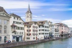 Färg ritar med en sharpenerLUZERN, SCHWEIZ MAY 14, 2017: Cityscapes och turister i Luzern Schweiz Royaltyfria Bilder
