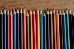 Färga blyertspennor Arkivbilder