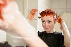 Färga ditt hår Royaltyfria Bilder