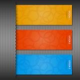 Färga etiketter för din text (på grå färg) Arkivbilder