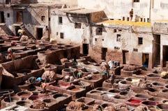 färga fez morocco tanneries Arkivbild
