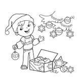 Färga sidaöversikten av tecknad filmpojken som dekorerar julgranen med prydnader och gåvor Jul nytt år Färgläggningbok fo Arkivfoto