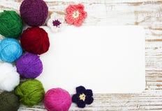 Färga woolen clews Arkivfoton