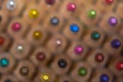 Färgad blyertspennabakgrund arkivfoton