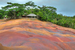 Färgad jord, Chamarel, Mauritius Arkivfoto