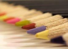 färgade blyertspennor royaltyfri bild