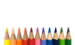 Färgade blyertspennor som isoleras på vit bakgrund Royaltyfria Bilder