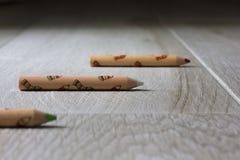 färgade blyertspennor tre Royaltyfria Foton