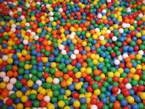 färgade bollar Arkivbild