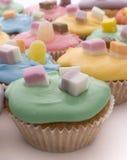 färgade cakes Arkivbild