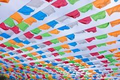 färgade flaggor royaltyfria bilder