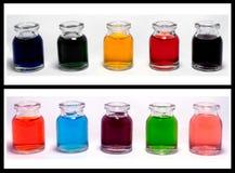 färgade flaskor Royaltyfri Foto