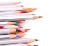 färgade många blyertspennor Arkivbild