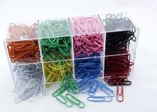 Färgade Paperclips. Royaltyfri Fotografi