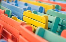 Färgade stolar Arkivfoto