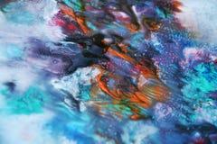 Färgar blå färgrik vattenfärgmålarfärg för lilor, den mjuka blandningen och att måla spots bakgrund, färgrik abstrakt bakgrund fö Royaltyfri Bild