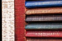 Färgar den wood fönstertappningdörren arkivfoto