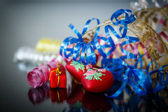 Färgat julpynt Fotografering för Bildbyråer
