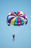färgat mång- hoppa fallskärm Arkivbilder
