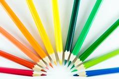 Färgblyertspenna på pappers- bakgrund Royaltyfri Bild
