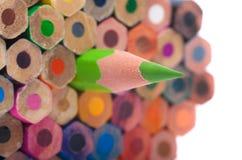 Färgblyertspennor - closeup, makroskott Arkivfoto