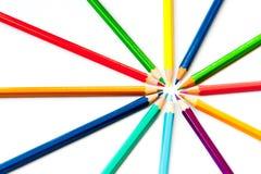 Färgblyertspennor som isoleras Arkivbild