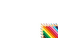 Färgblyertspennor som isoleras på övre modell för vitt bakgrundsslut Arkivbilder