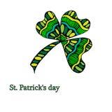 Färgbroschyrväxt av släktet Trifolium, på Sts Patrick dag för Etnisk bohemisk bakgrund med det lyckliga ordet dekorativ tappning stock illustrationer