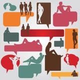 Färgdialogbubblor med silhouettes av folk Arkivbild