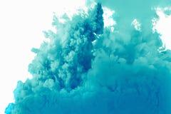 Färgdroppe i vatten, fotograferad rörelse Royaltyfria Bilder