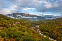 Färger av hösten i Georgia Slutet av Oktober 2015 Fotografering för Bildbyråer