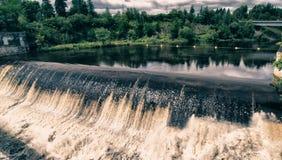 Färger av Montmorency nedgångar i Quebec royaltyfri foto
