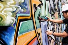 färger för teckning för abstrakt begrepp för grafitti för sprejgatakonst idérika på th Royaltyfri Foto