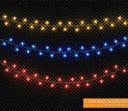 Färggirland, festliga garneringar Glödande julljus som isoleras på genomskinlig bakgrund Royaltyfri Fotografi
