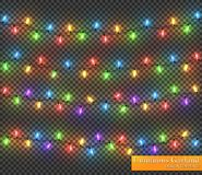 Färggirland, festliga garneringar Glödande julljus som isoleras på genomskinlig bakgrund Arkivbilder