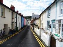 Färgglad by av Aberdovey i Wales Arkivbilder