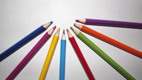 Färgglad grupp av blyertspennafärger arkivbild