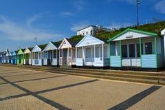 Färgglad linje av strandkojor Royaltyfria Foton