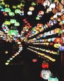 Färgglad ljus skärm på den London marknaden Arkivbild