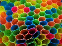 färgglad modell den plast- slående in boken Royaltyfri Foto