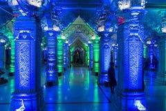 färgglad Swaminarayan tempel Royaltyfri Bild