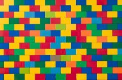 färgglad toyvägg för tegelstenar Royaltyfri Bild