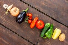 Färgglad variation av det nya hemmet - fullvuxna grönsaker fotografering för bildbyråer