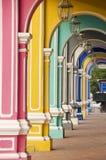 Färgglada bågar, Penang Malaysia royaltyfri bild
