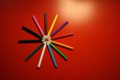 färgglada blyertspennor Arkivbilder