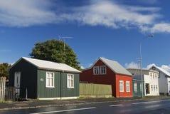 färgglada hus iceland stads- reykjavik Arkivbilder