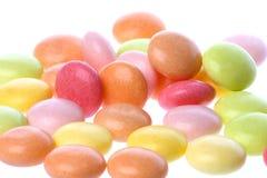 färgglada isolerade sötsaker Fotografering för Bildbyråer