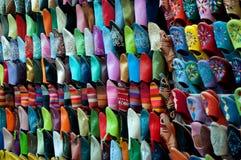 färgglada skor Arkivfoton